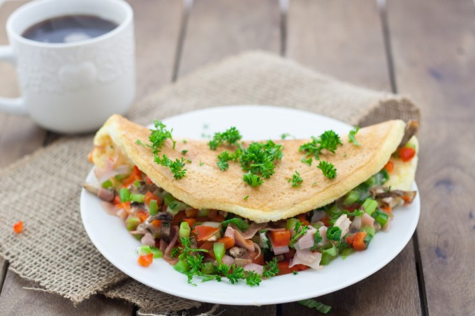 Omelette Stuffed with Veggies and Ham