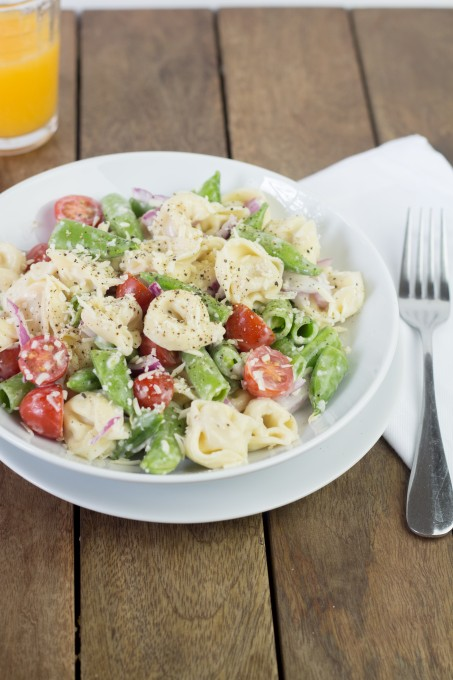 Tortillini Salad with Tomatoes and Peas