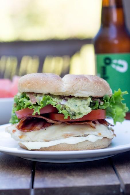 California Chicken Burger with Gaucamole