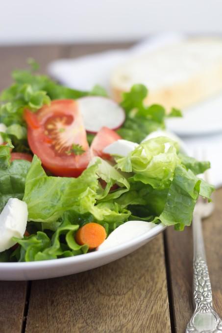 Delicious Simple Garden Salad