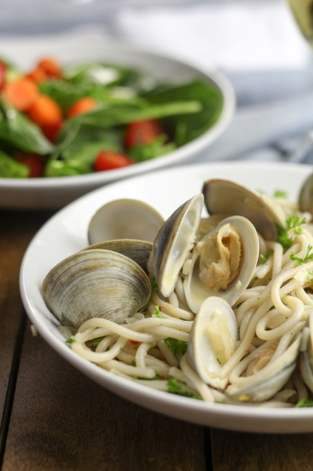 Clams served with Garlic & Herb Spaghetti