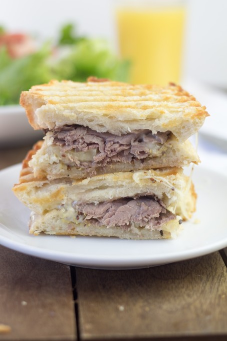 Roast Beef Sandwich with Melted Cheese